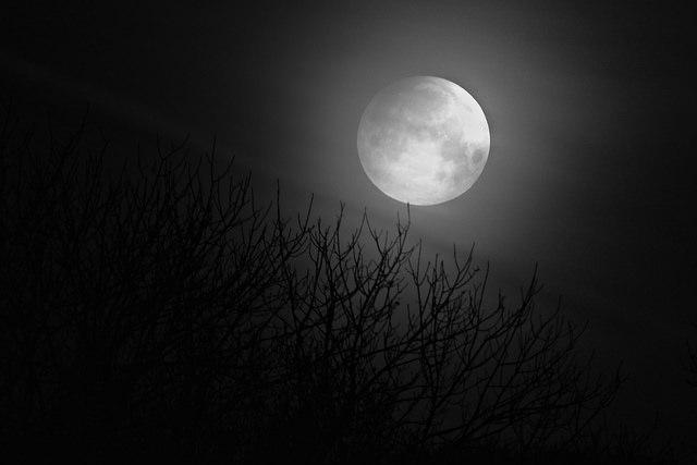 Hechizo de amor de luna llena